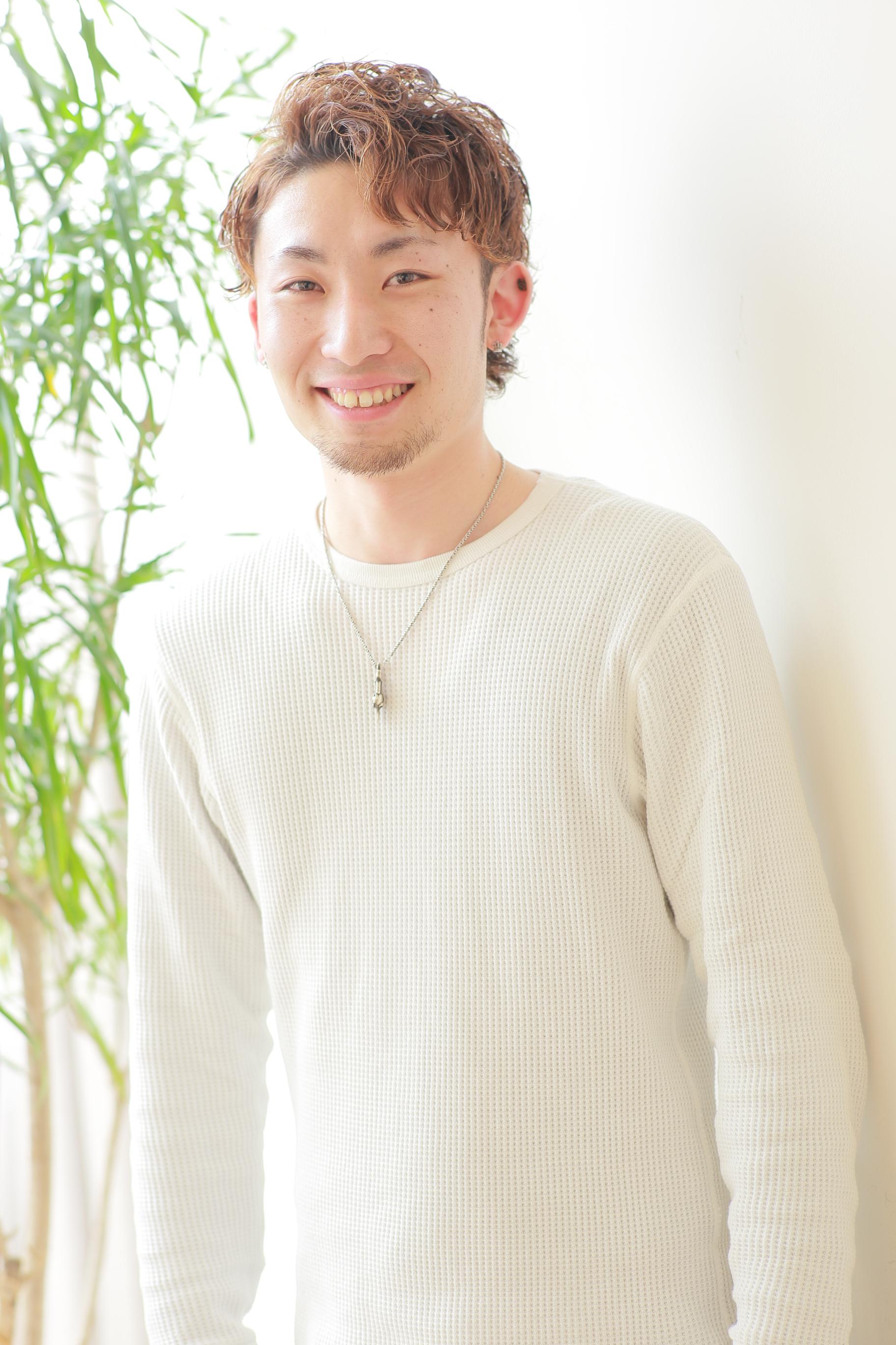 中嶋健人 けんてぃー美容師